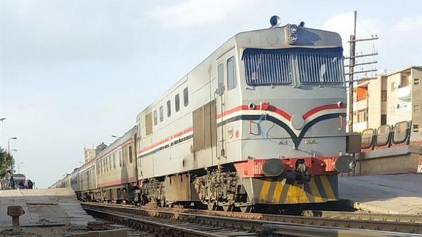 """صورة خروج عربتي قطار عن القضبان على خط """"بورسعيد"""".. وبيان رسمي من السكة الحديد"""