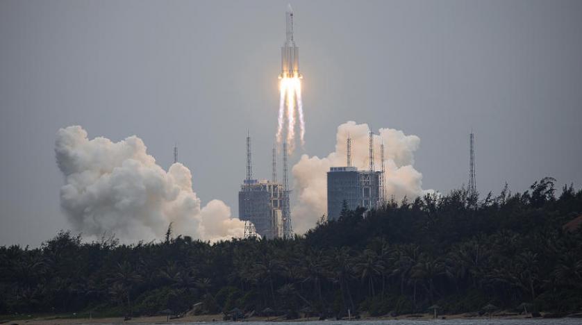 الصاروخ الصيني الخارج عن السيطرة بث مباشر