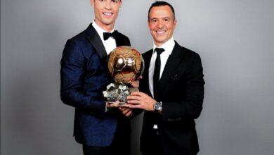 صورة وكيل كريستيانو رونالدو: يستحق الفوز بالكرة الذهبية هذا العام